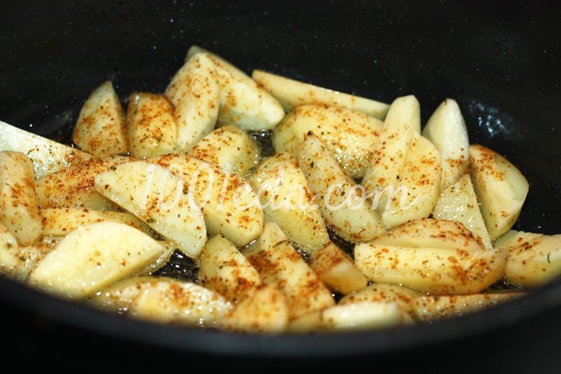 Картошка жареная с курицей на сковороде рецепт