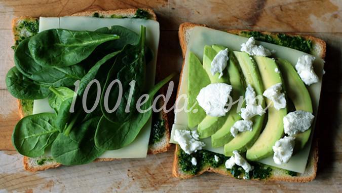 Зеленые сендвичи-гриль с песто