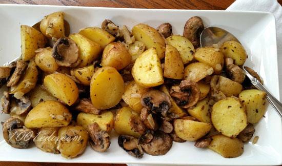 Картошка с грибами и луком в духовке