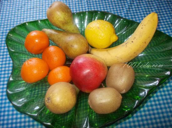 Фруктовый салат из мандаринов груш яблок киви