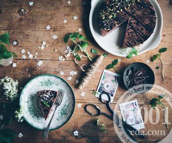 Шоколадный веганский торт-мусс без выпечки