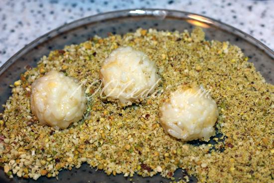 Рисовые шарики с пряной курицей, пошаговый рецепт с фото