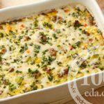 Омлет с фаршем и овощами в духовке