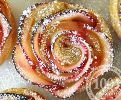 Розы из яблок для торта