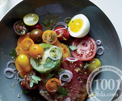 Летний салат с помидорами