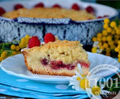 Кудрявый пирог с малиной