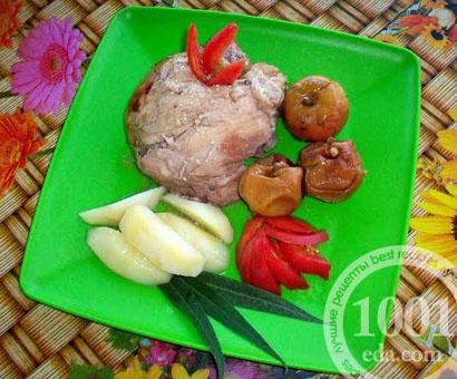 Курица, запеченная в духовке с яблоками: рецепт с пошаговым фото