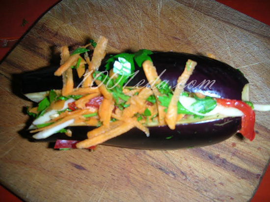 Соленые баклажаны, фаршированные овощами