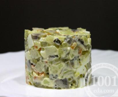 Салат оливье с шампиньонами