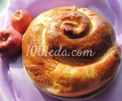 Яблочный пирог завитушка