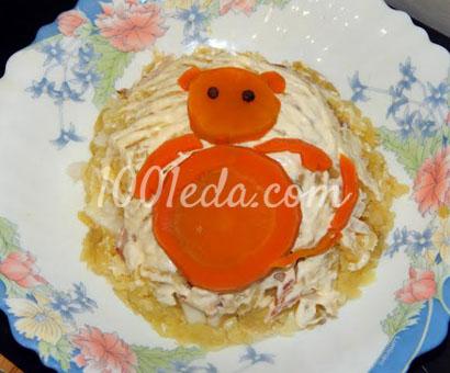 Новогодний салат с рыбой горячего копчения