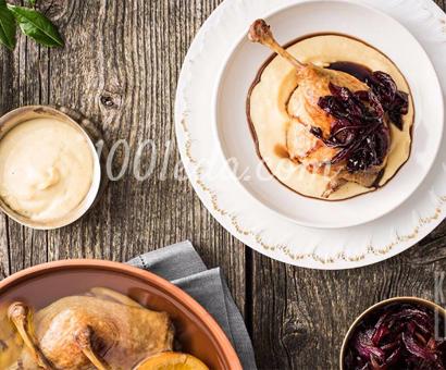 Конфи из утки с луковым конфитюром и пюре из сельдерея