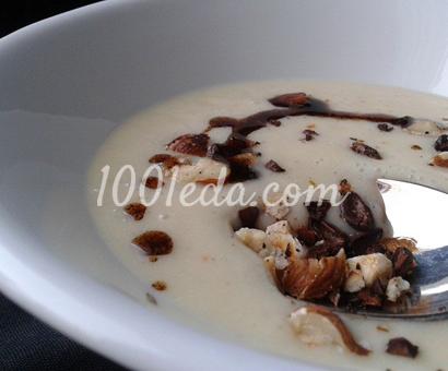 Крем-суп из скорцонеры с орехово-кофейной посыпкой