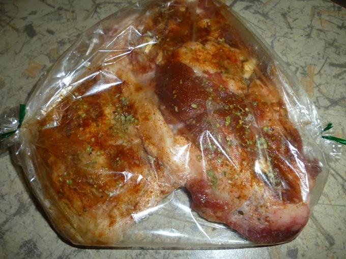 Что приготовить свинину в рукаве для запекания