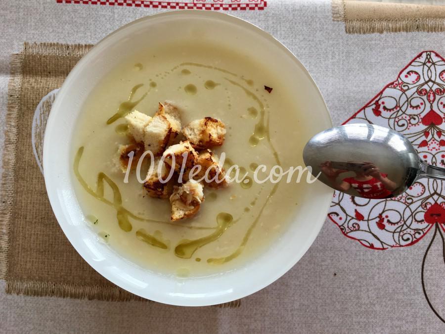 Суп-пюре из цветной капусты с интригующими гренками: рецепт с пошаговым фото