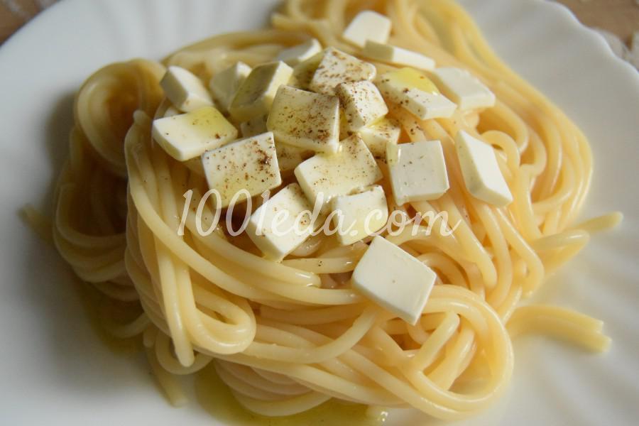 Спагетти с оливковым маслом и фетаксой