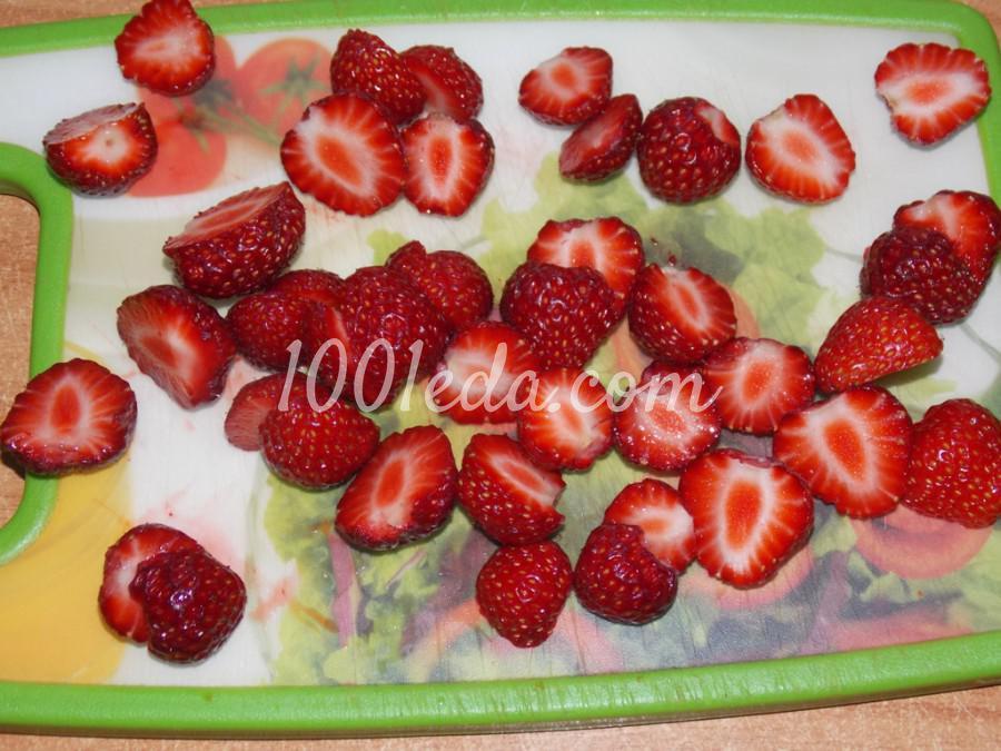 Сметанно-клубничный десерт Нежность: пошаговый с фото - Шаг №4