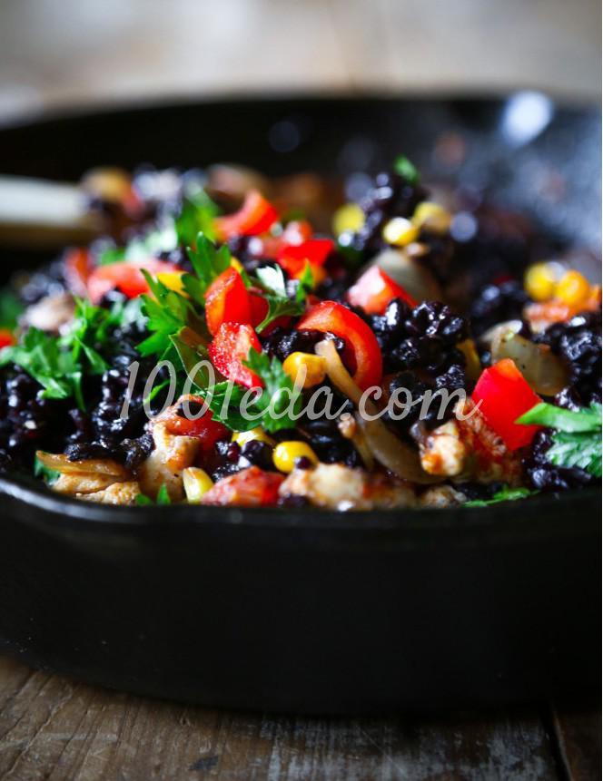 Перцы фаршированные чёрным рисом и курицей