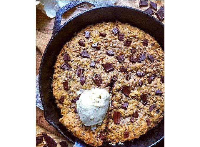 Тыквенное печенье на сковороде с шоколадом и ирисом