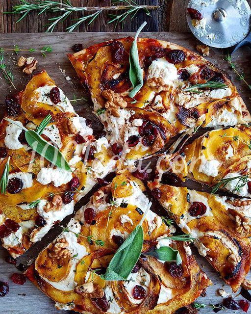Быстрая пицца с рикоттой и тыквой