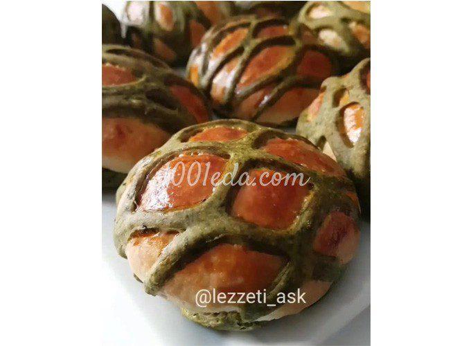 Булочки с сеткой из шпинатного теста: пошаговое фото