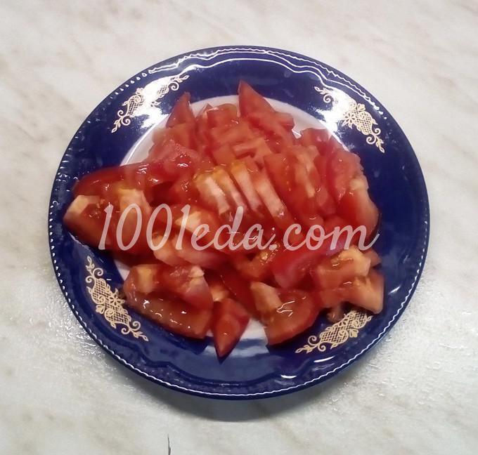 Салат из пекинской капусты с помидорами, маслинами и куриными яйцами: пошаговый с фото - Шаг №2