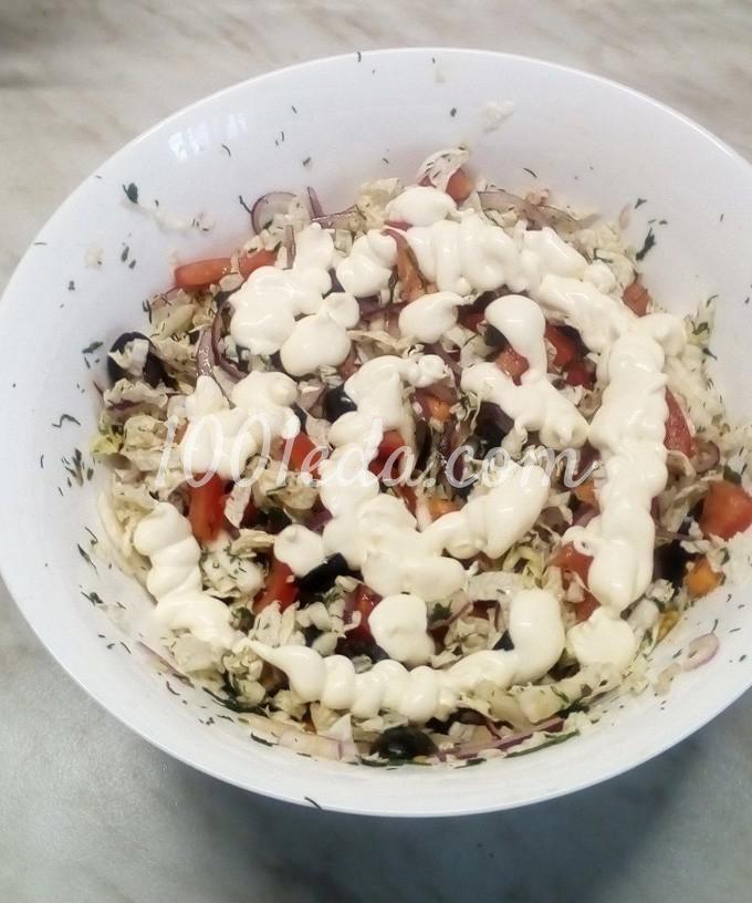 Салат из пекинской капусты с помидорами, маслинами и куриными яйцами: пошаговый с фото - Шаг №9