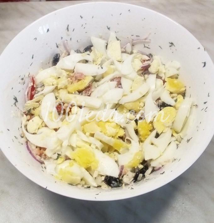 Салат из пекинской капусты с помидорами, маслинами и куриными яйцами: пошаговый с фото - Шаг №10