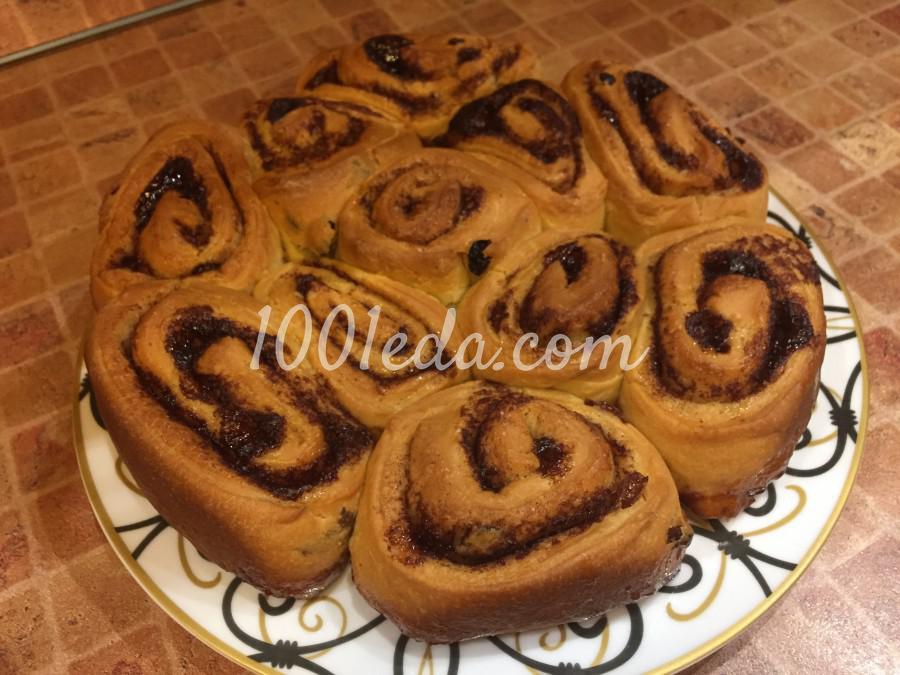 Сдобные булочки с изюмом и корицей: пошаговый с фото