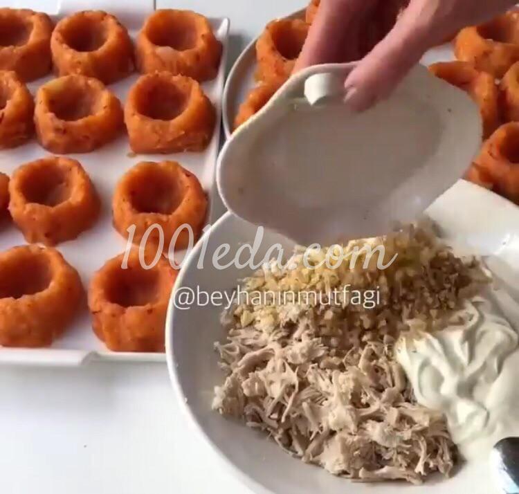Курица в картофельных чашечках: пошаговое фото - Шаг №3