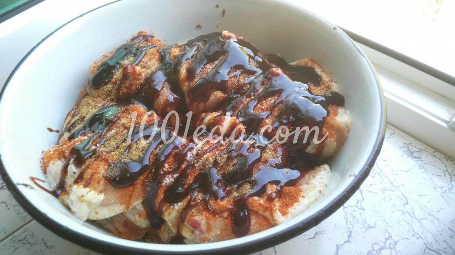 Маринованные куриные бёдрышки на углях: пошаговое фото - Шаг №3