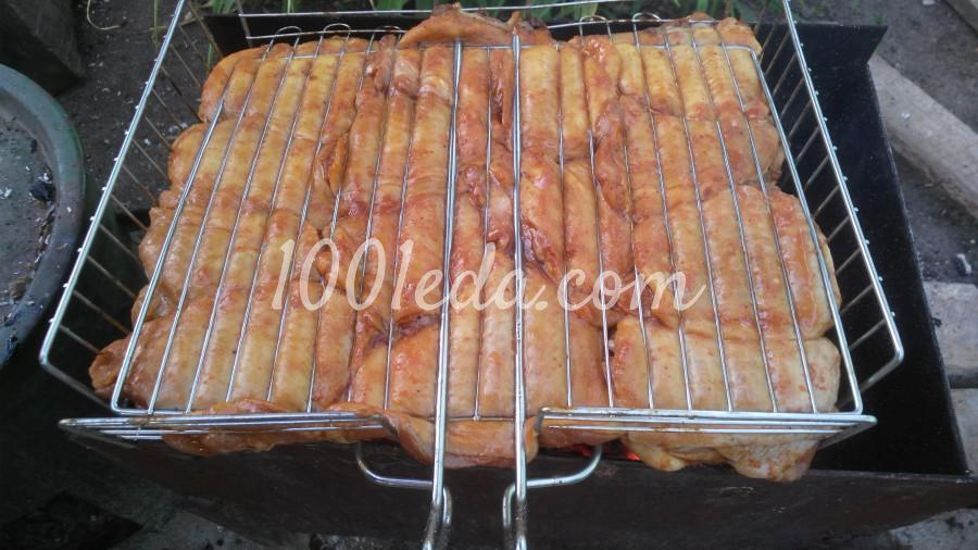 Маринованные куриные бёдрышки на углях: пошаговое фото - Шаг №5