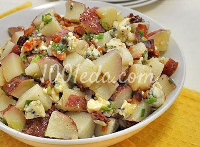 Картофельный салат с горгонзолой и беконом