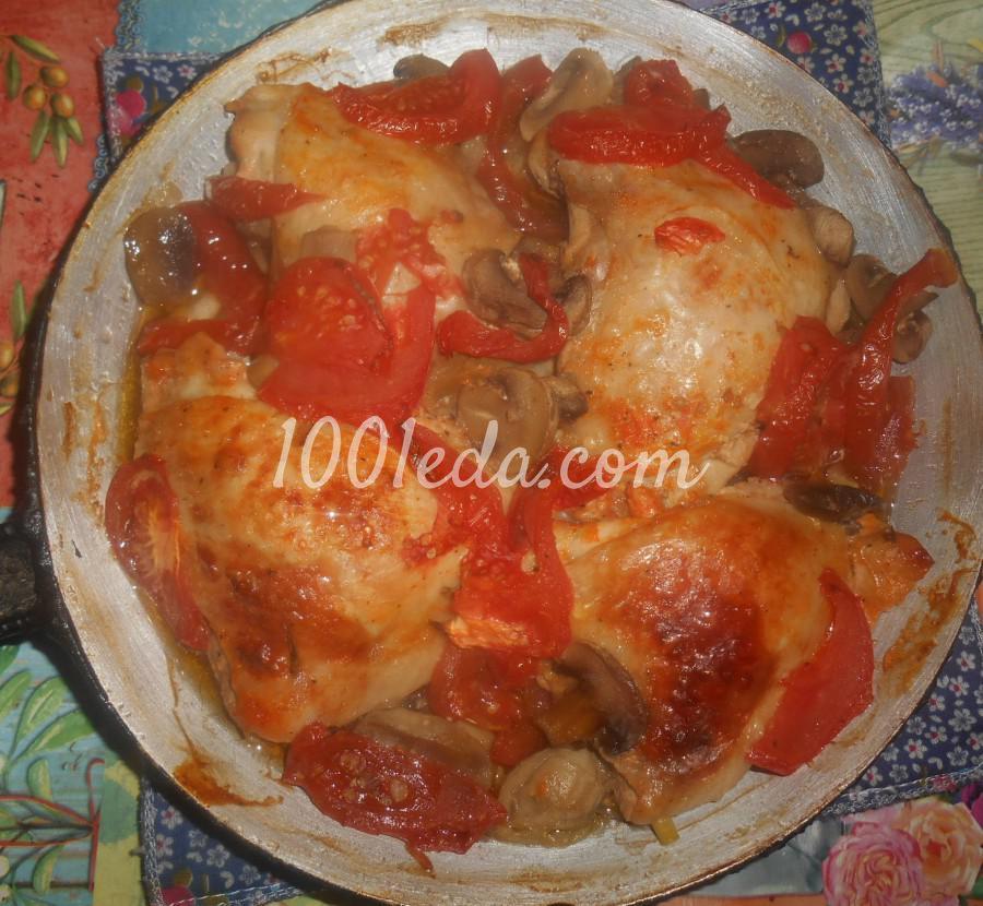 Куриное мясо с помидорами и грибами в духовке