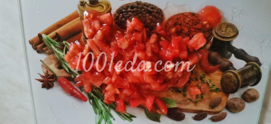 Яичные блинчики с мясом куриной грудки и томатами: пошаговое фото - Шаг №5