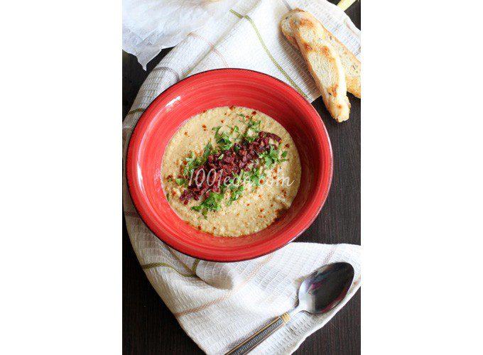 Сливочный суп-пюре из кукурузных початков с чипсами салями