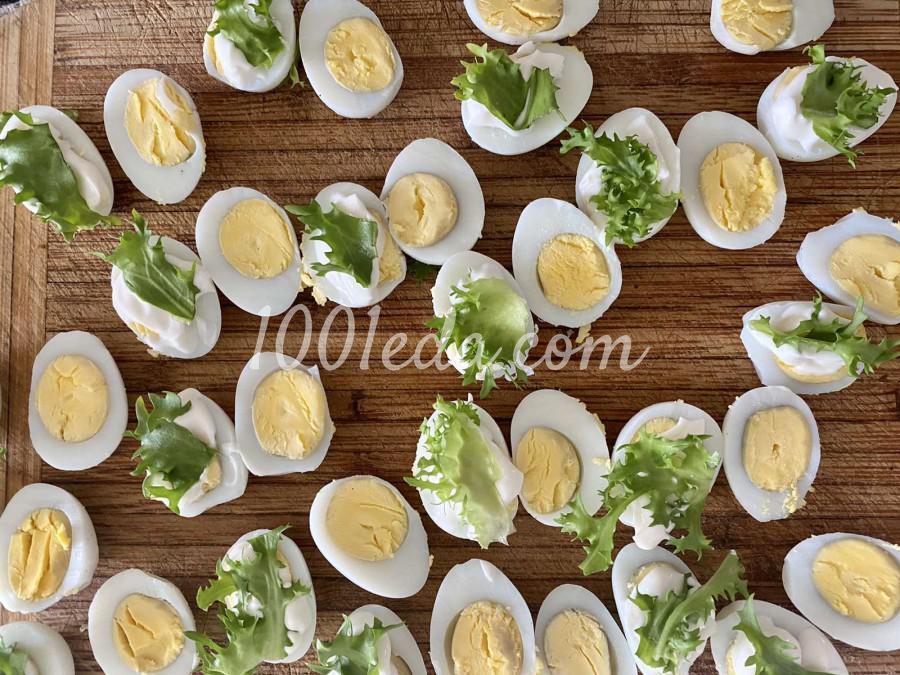 Закуска с перепелиным яйцом и лососем: пошаговое фото - Шаг №4